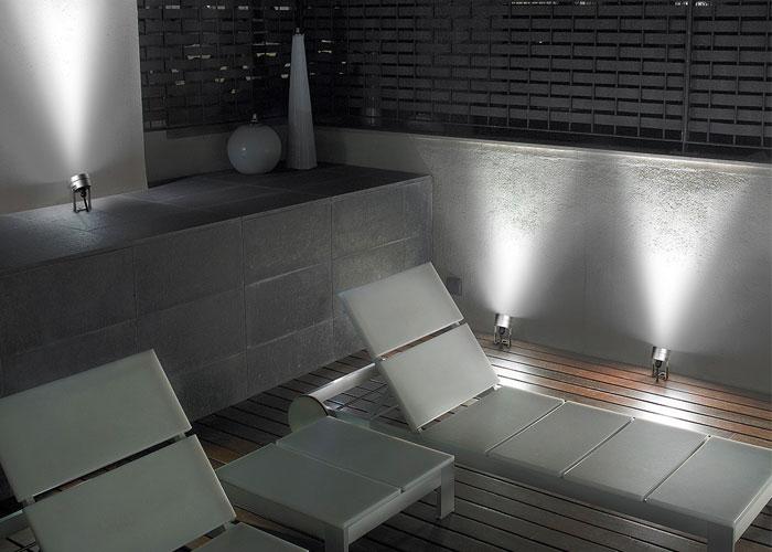 Highlights für jede Jahreszeit – Licht für die Terrasse