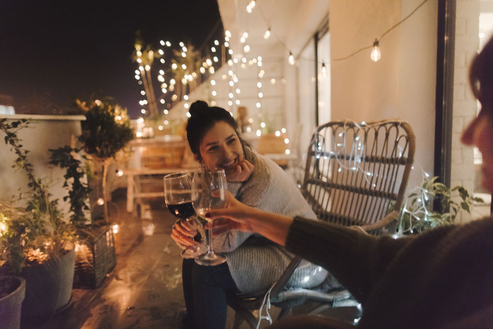 Den Sommer geniessen: Licht für den Balkon