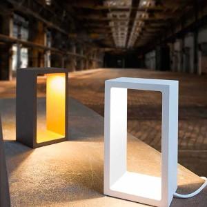 LED-Tischleuchte CORRIDOR 6W, schwarz/gold