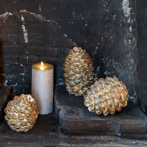Pinecone Gold 28, gold finish, H28x18cm, Polyresin, indoor, gold,