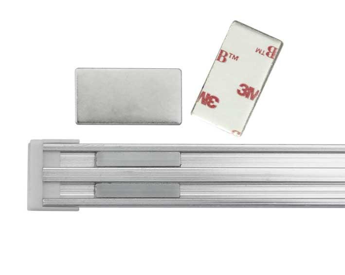 mini led lichtleiste f r unterbaubeleuchtungen in k che schr nken f r beleuchtung von vitrinen. Black Bedroom Furniture Sets. Home Design Ideas